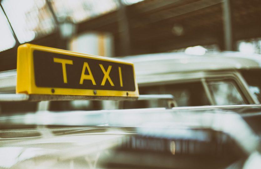 Chauffeurs de taxis : équipez-vous d'un terminal de paiement CB !